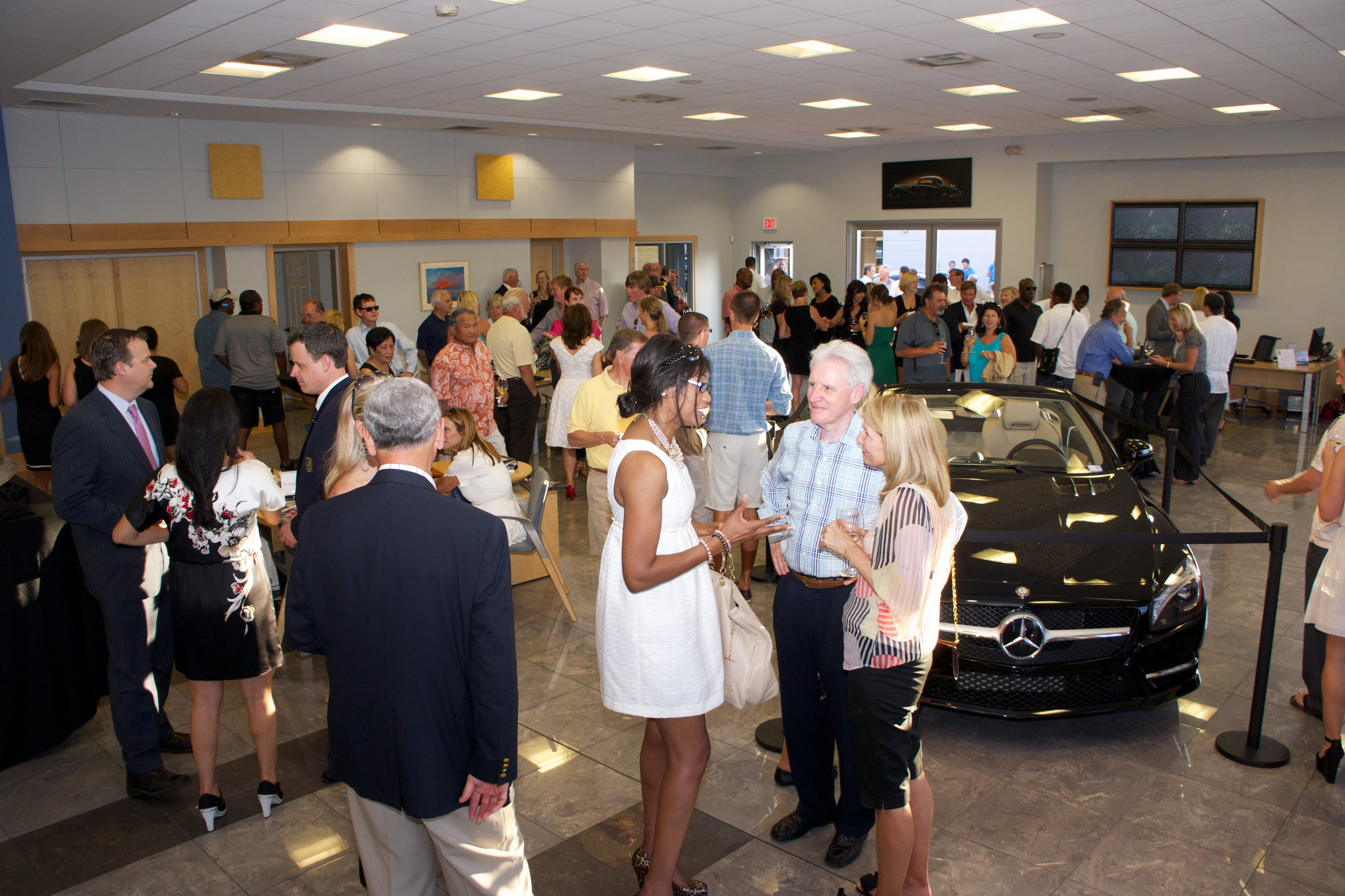 Baker Motor pany and 1 200 Guests Celebrate Arrival of New
