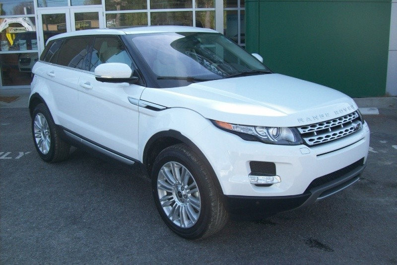 New vehicle of the week 2013 land rover range rover for Baker motor company land rover