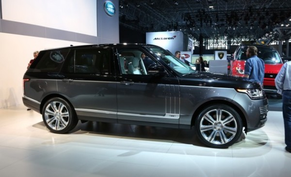 2016-Land-Rover-Range-Rover-SVAutobiography-placement-626x382